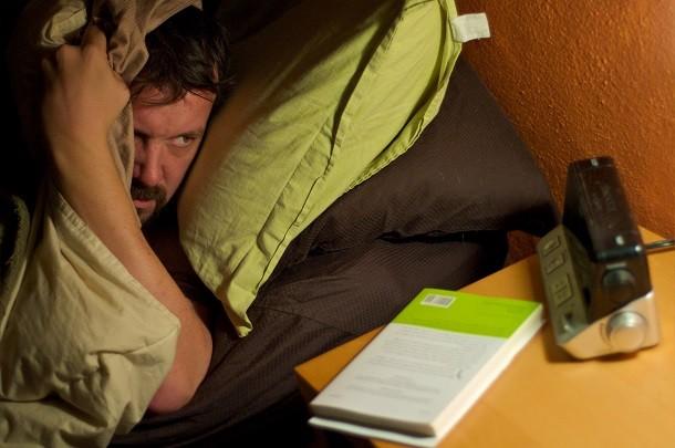 Unettomuudesta kärsivät muistavat unensa paremmin